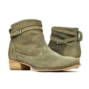 SEYCHELLES Sanctuary Perforated Suede Booties Sz 8